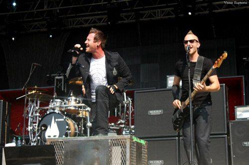 photo-rock-band-thousand-fo