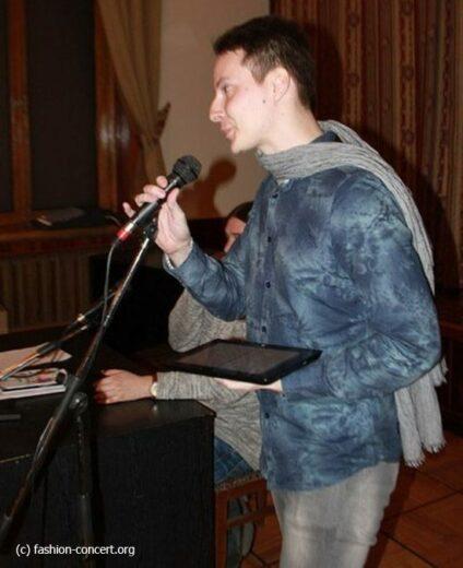 Вадим Громов: «Изначально, я писал дома и складывал у себя на полку»