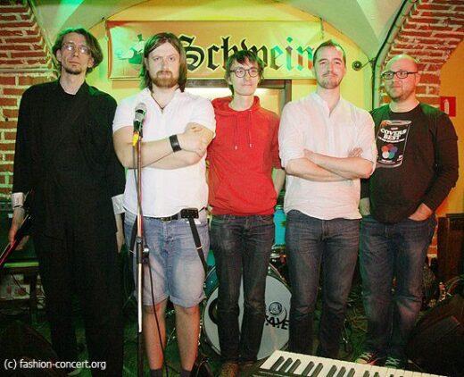 Василий Сапожников: «Мы не стараемся соответствовать какому-то стилю, не стараемся сделать одну песню, похожую на другую»