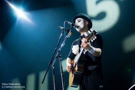 В воскресенье, 7го июня, прошёл завершающий концерт группы 5'nizza в московском клубе Известия Hall под знаком reunion.