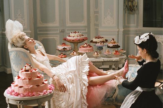«Так пусть едят пирожные!»